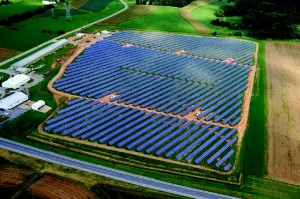 Another groSolar project, the Keystone Solar Project, which was developed and marketed by Community Energy, was placed in a large field using a ground mount racking system. After the project life ends, the field with its organic soil can be returned to working agricultural use. (Provided by groSolar)