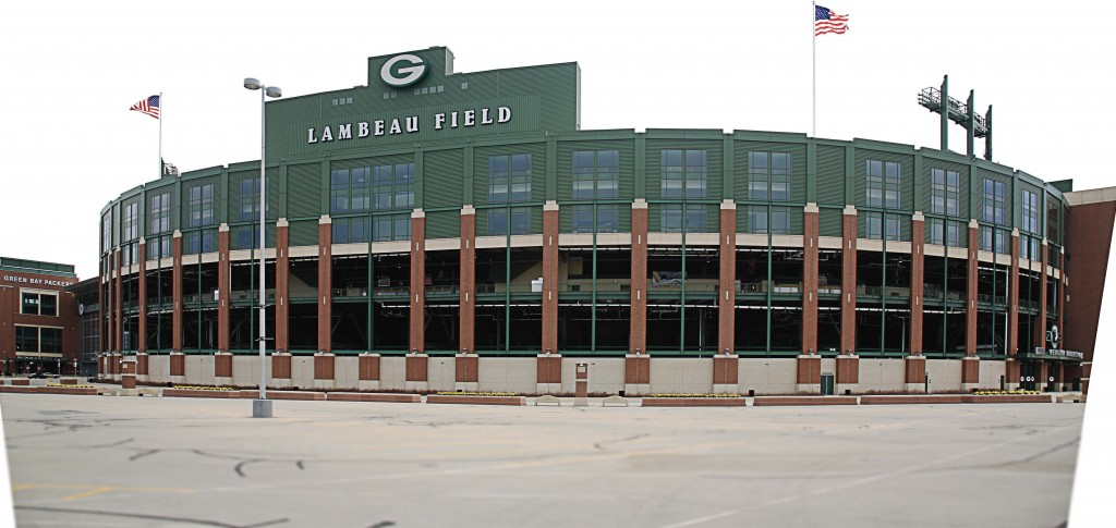 Lambeau Field, home of the Green Bay Packers, was used as a selling point in trying to attract Pope Francis to the Wisconsin city during a planned 2015 visit to the United States. (Ffooter / Shutterstock.com)