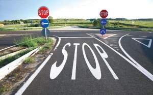 An eff ective traffi c control device should fulfi ll a need, command attention, convey a clear and simple meaning, command respect and give adequate time for a proper response. These concepts should all be kept in mind when planning, designing, placing and maintaining signs.