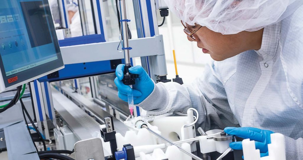 Should Your Business Work with a Contract medical Manufacturing Company?